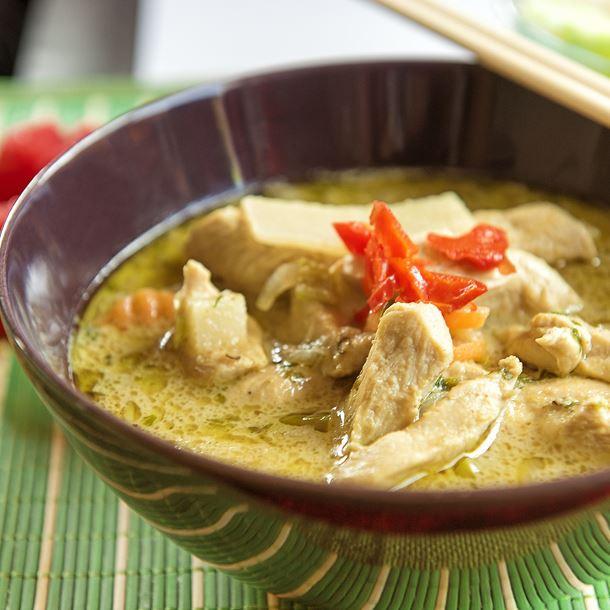 Eminces De Poulet Au Lait De Coco Plat Cuisine Thailandaise